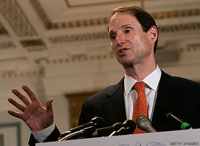Oregon Senator Reveals Secret Government Surveillance Grid  sen ron wyden